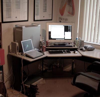 my_desk_s.jpg